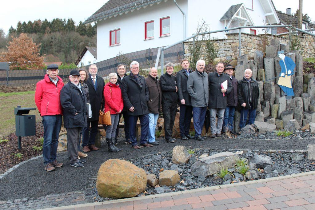 Einweihung des Basaltstelen-Denkmals in Dornburg-Wilsenroth