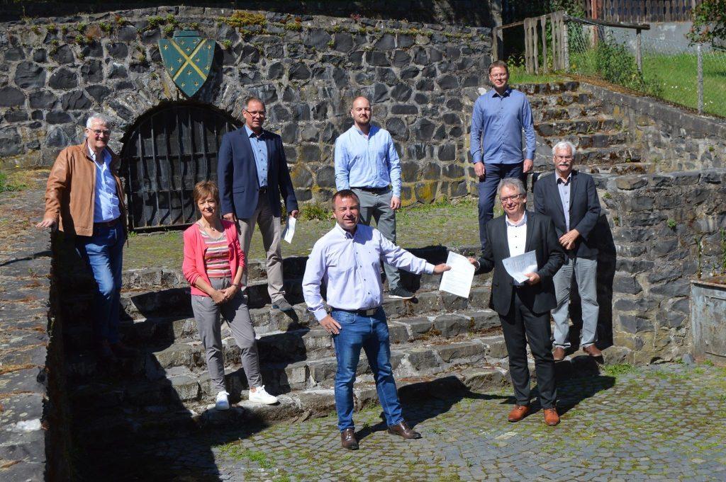 Förderbescheid für den Brunnenplatz Merenberg